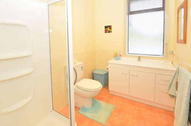 ensuite bathroom - before